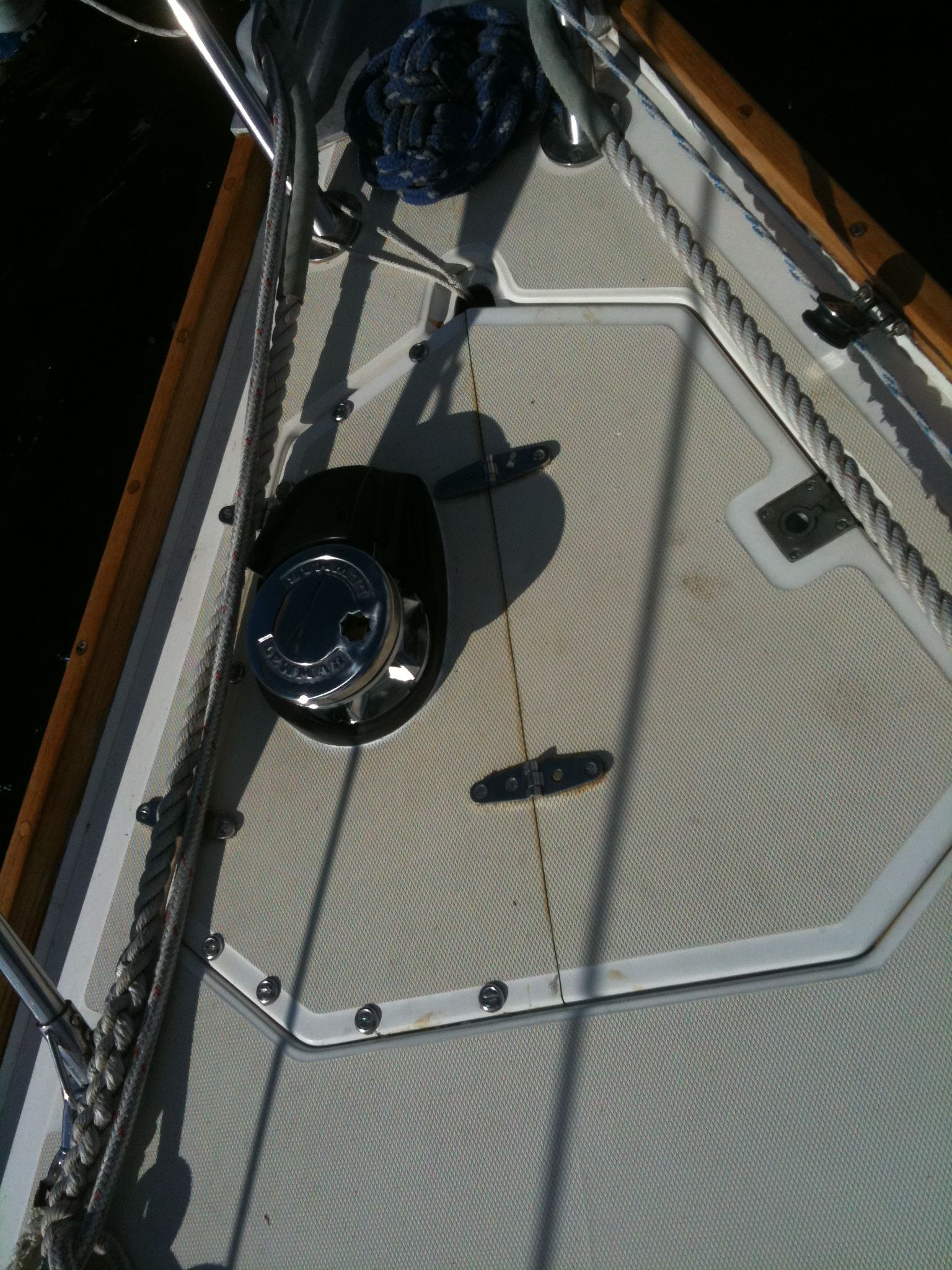 Windlass installed...Ignore the dirt and stains