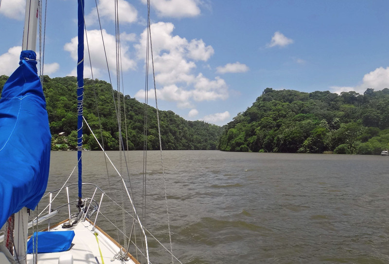 entering the Rio Dulce