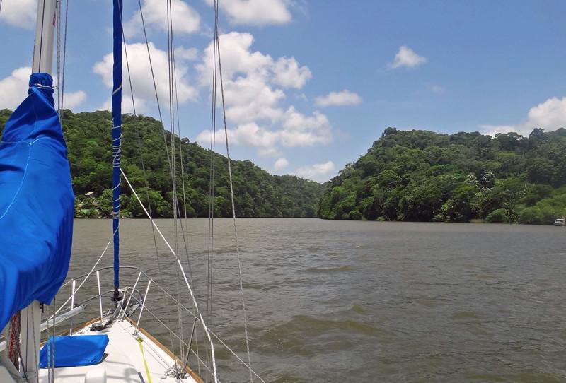 entering the Rio Dulce