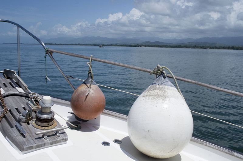 foredeck of Hydromax