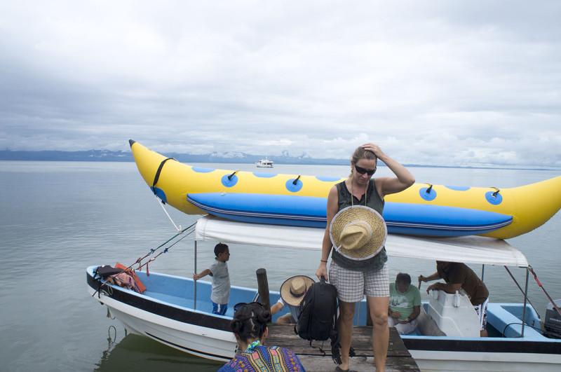 banana boat lancha