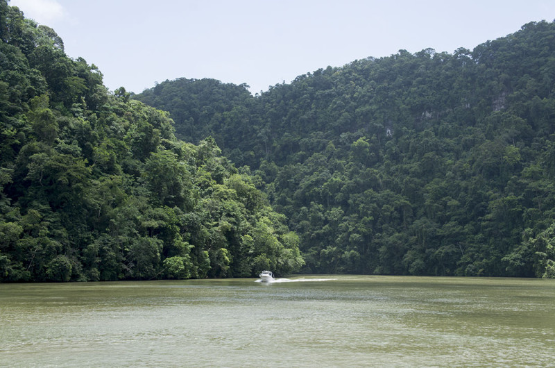 canyons of Rio Dulce