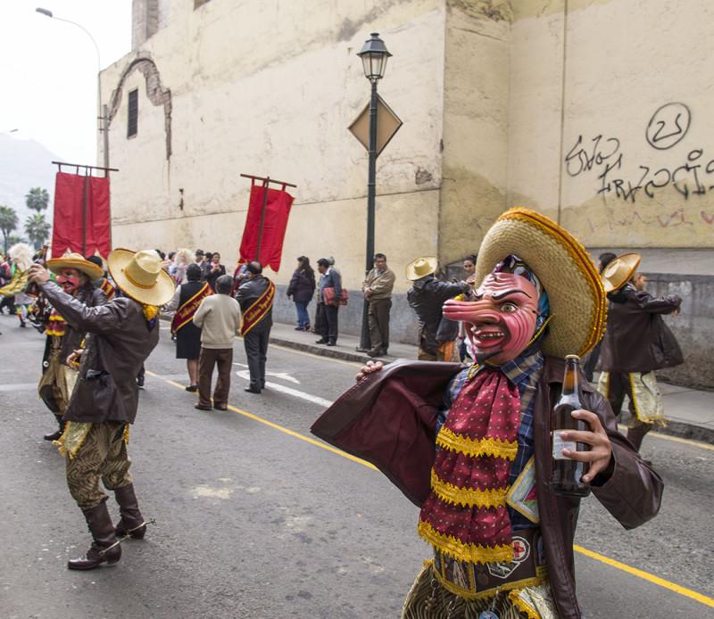 beer dancers, Lima 1