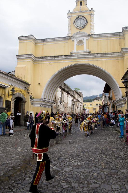 Antigua arch 2