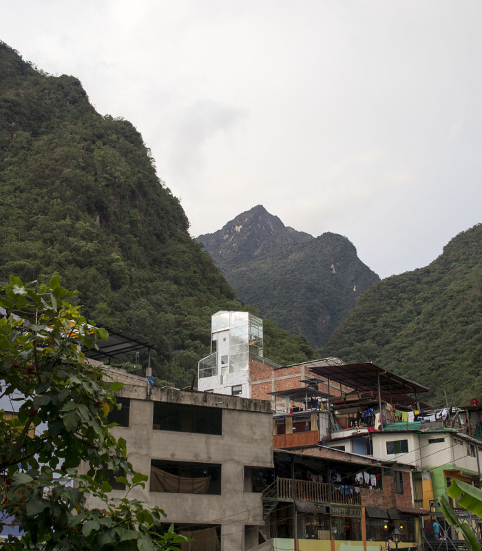 house with glass viewing platform, Aguas Calientes