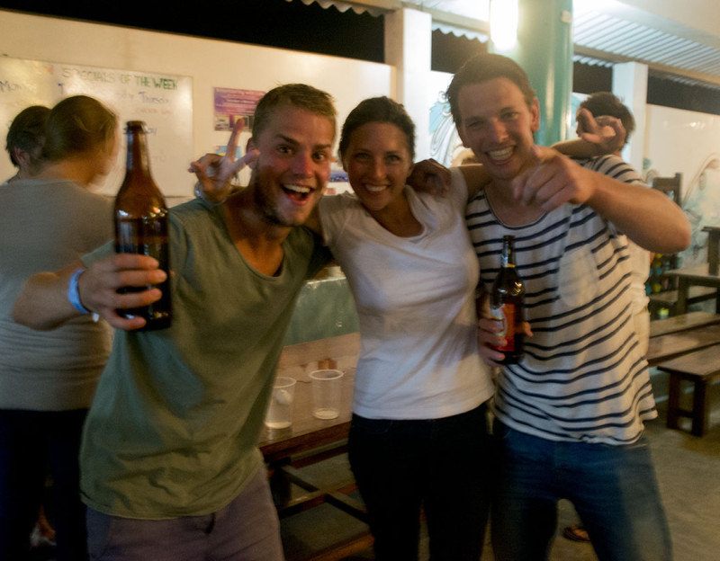Mark, Jessica, Wouter at beer pong