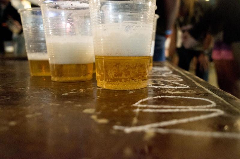 beer pong, Loki del Mar, Mancora