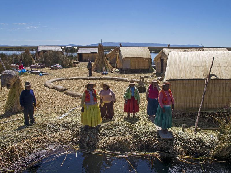 Los Uros native singing us goodbye
