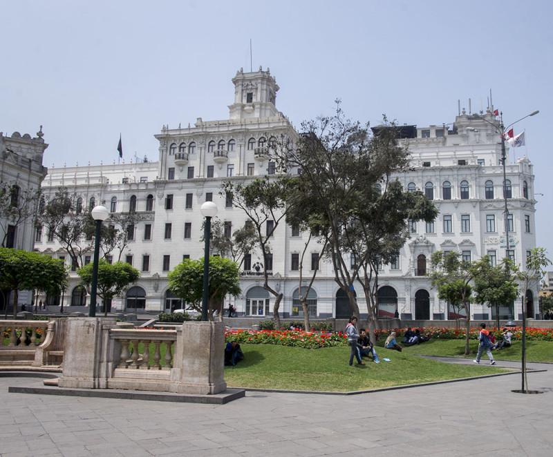 San Martin Plaza Lima (3)
