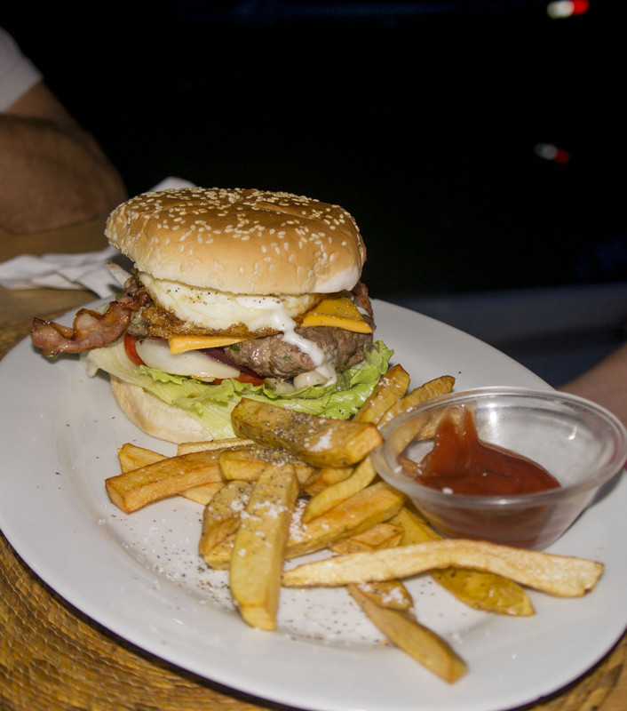 burger at Kangaroos