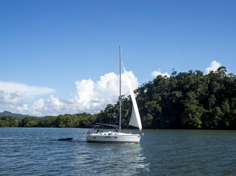 boat sailing up the Rio