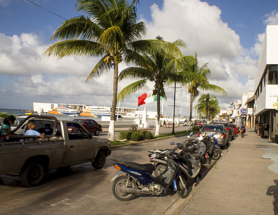 motorbikes line up in Cozumel