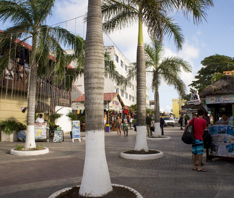 pedestrian walkway in Cozumel