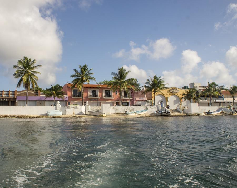 dinghy landing in Cozumel