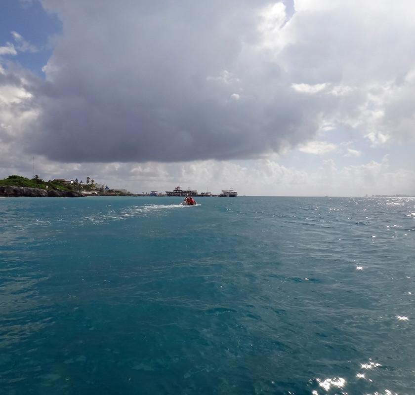 dinghying outside of Isla