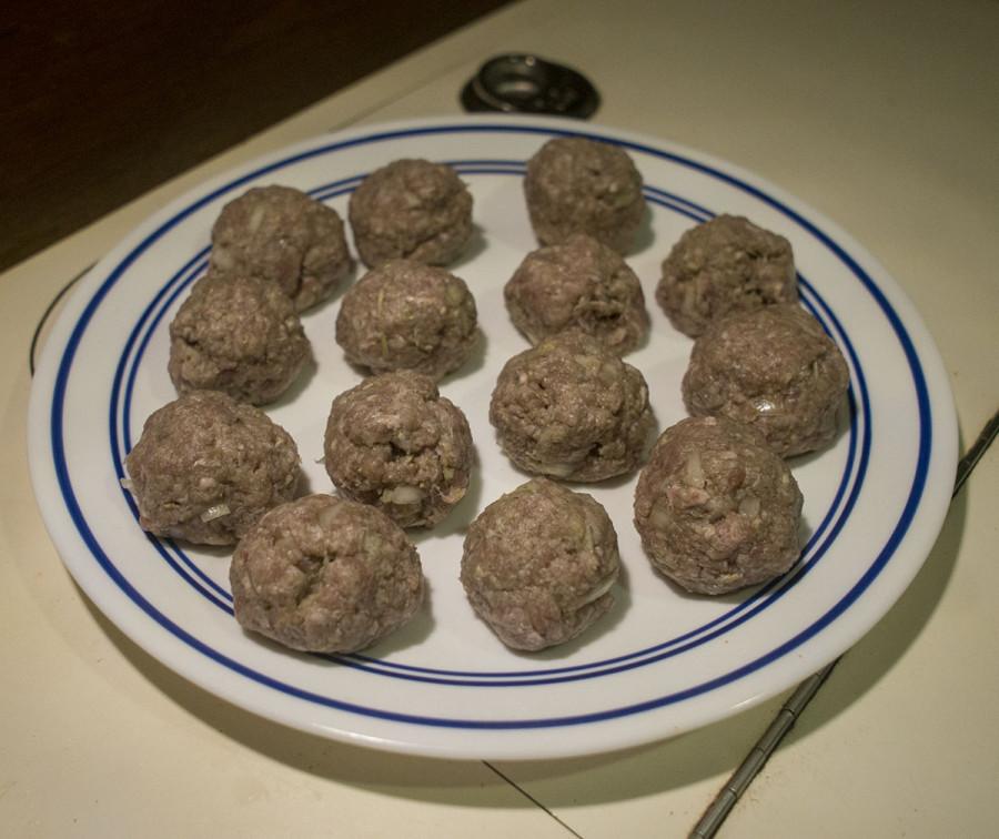 meatballs on plate