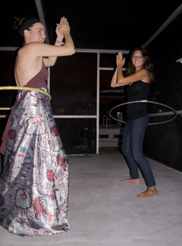 Jessica & Jessica hula hooping