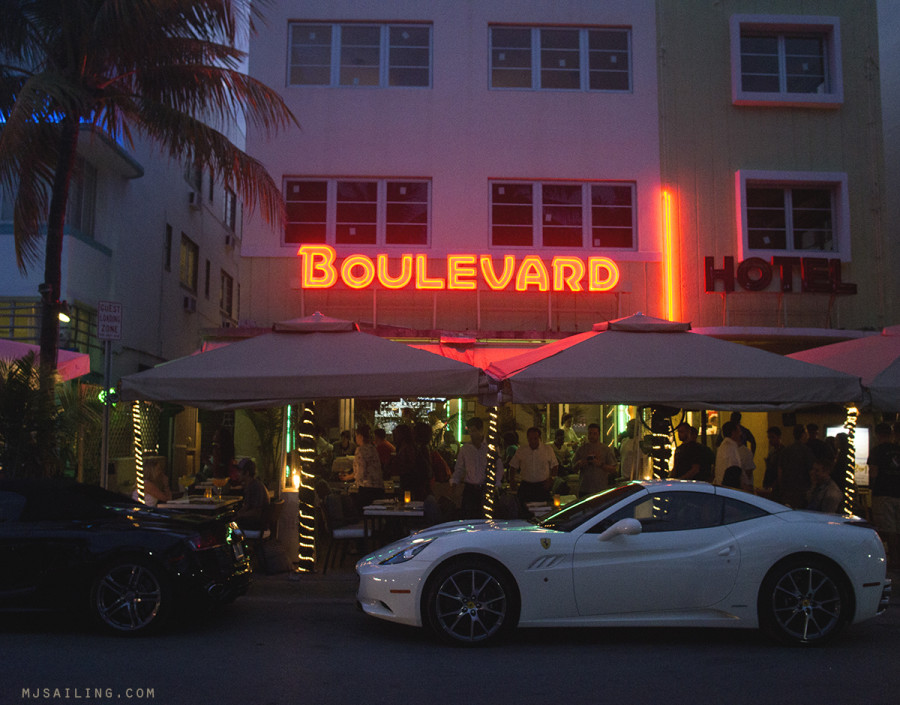 South Beach at night - Boulevard Hotel