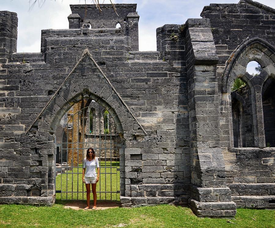 Jessica & unfinished church, Bermuda