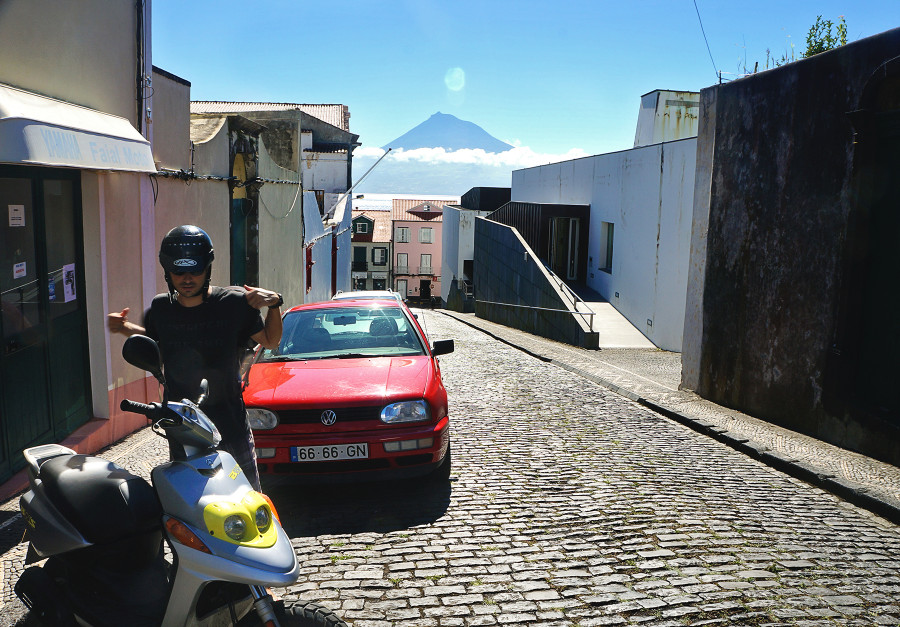 Matt renting scooter in Faial