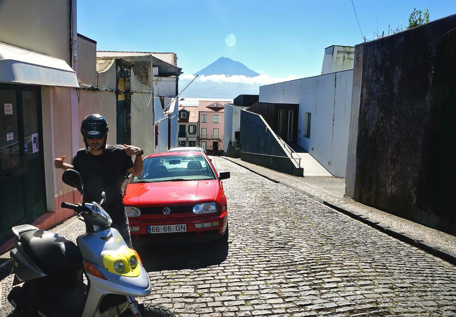 Matt renting scooter in Faial
