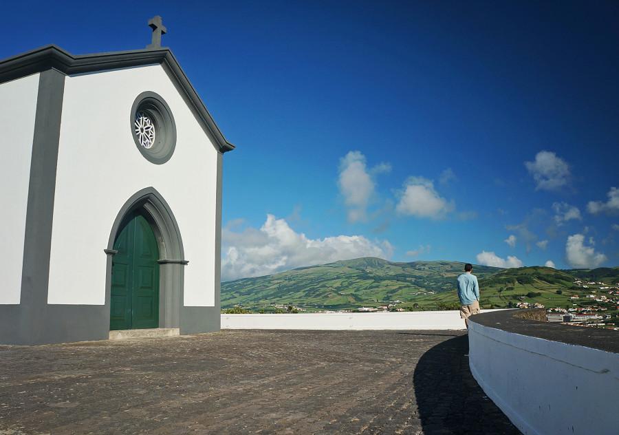 Matt next to church on Monte de Guia