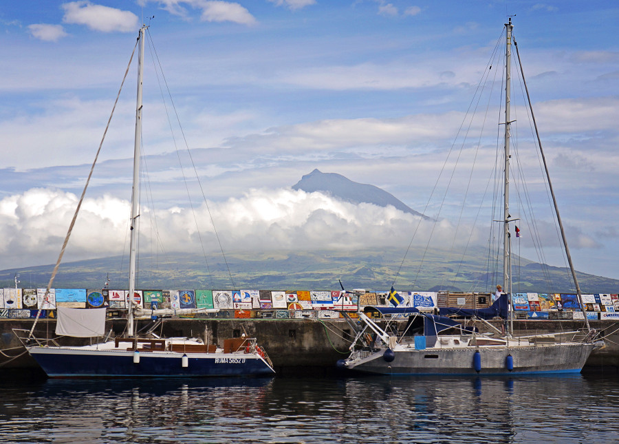 Horta's breakwater and Pico in the distance