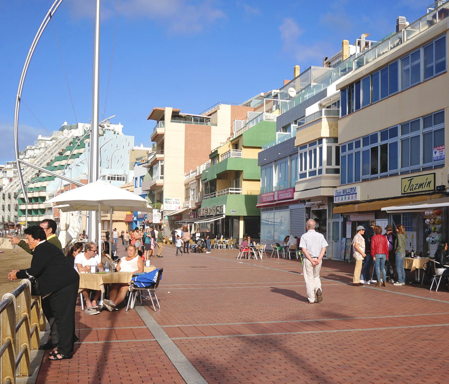 Las Canteras boardwalk