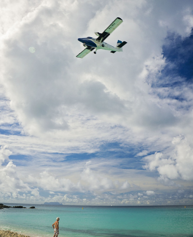 puddle jumper over Maho Beach