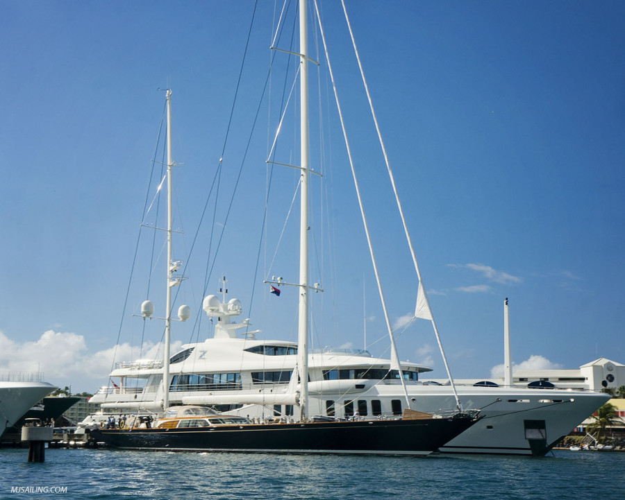 Mega yacht 'Z'