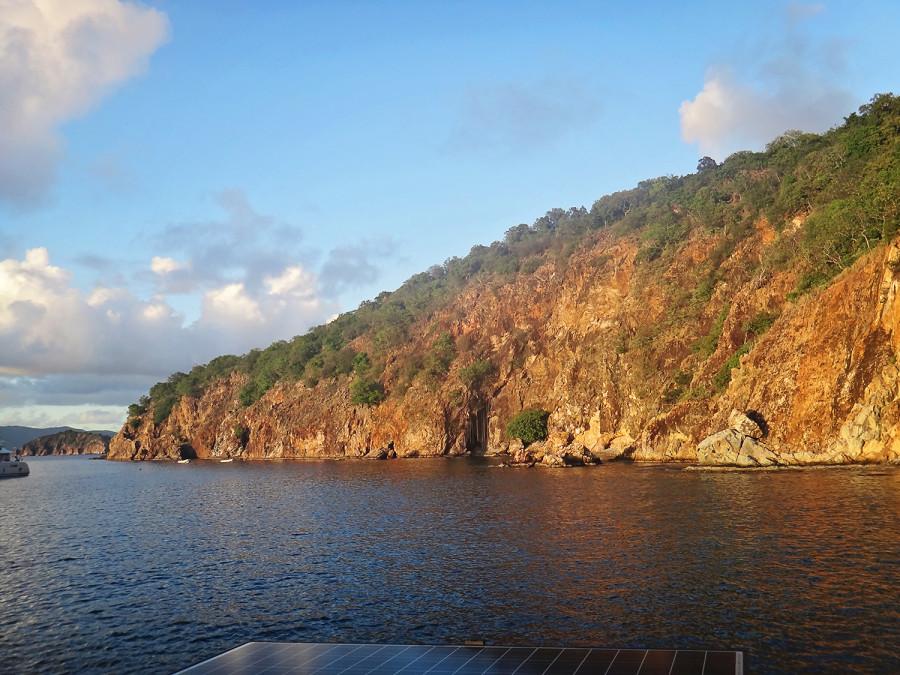 cave, Norman Island