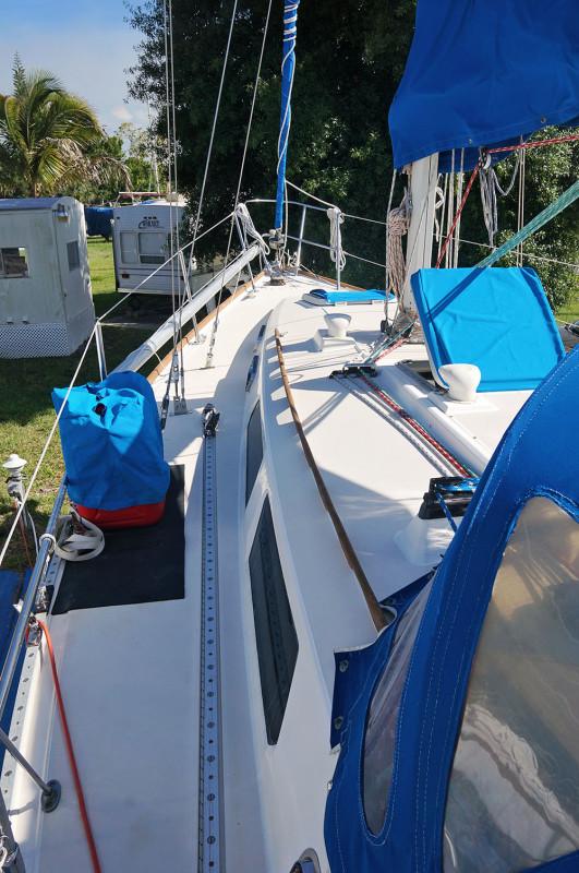 Sabre 34 Targa port deck