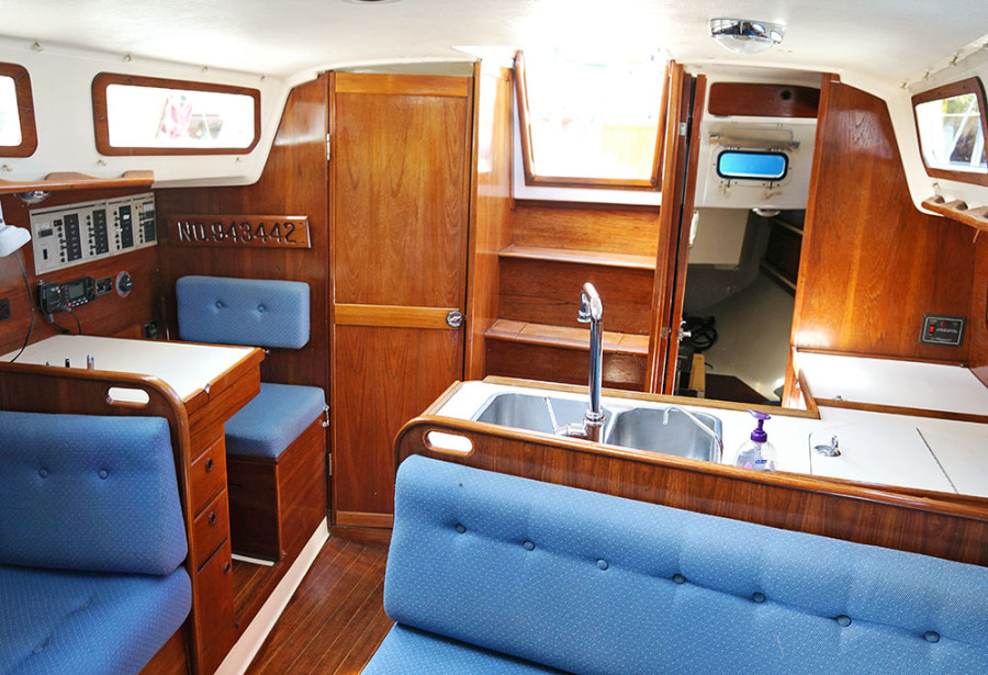 Sabre 34 Targa interior looking aft