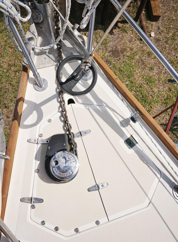 Sabre 34 Targa windlass