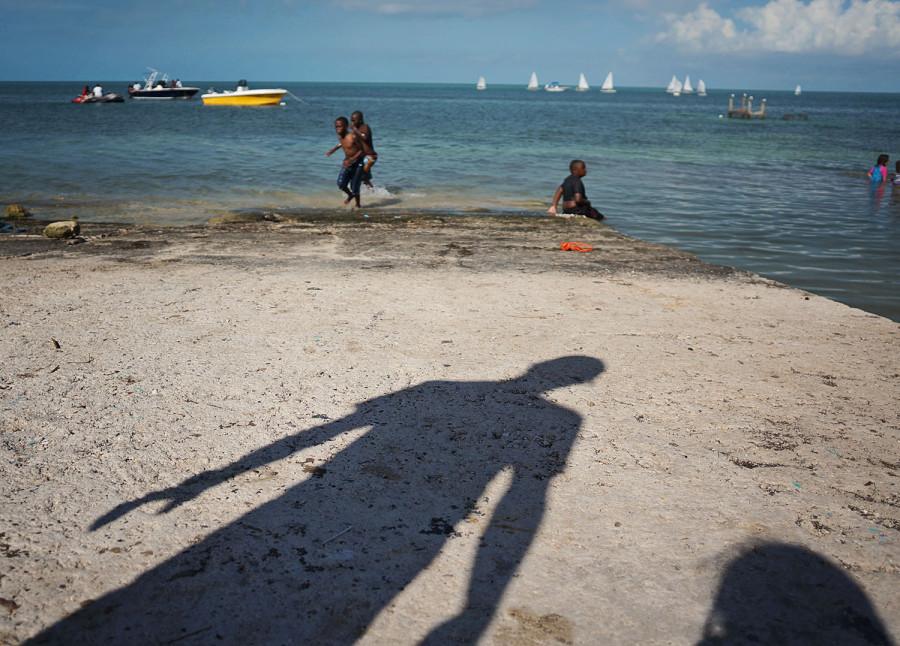 Matt casting shadows