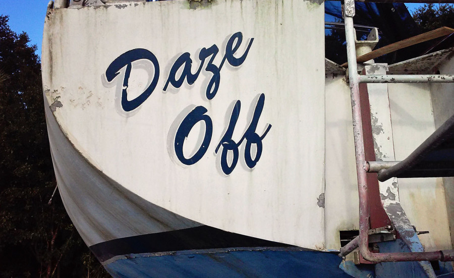 Daze Off name on stern