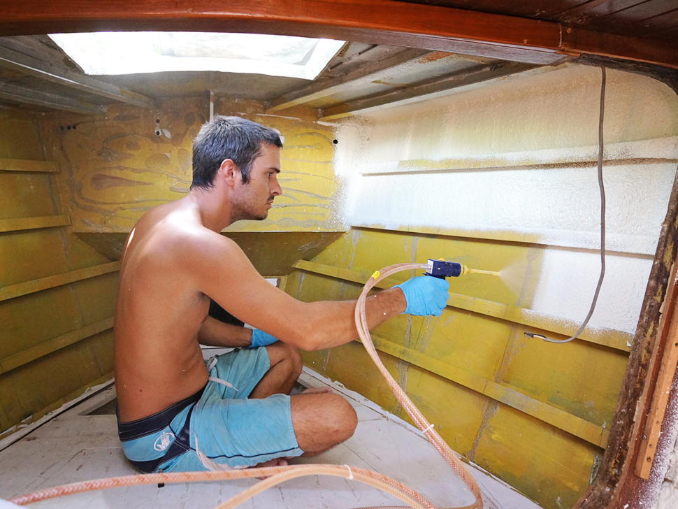 spray foam insulation to v-berth