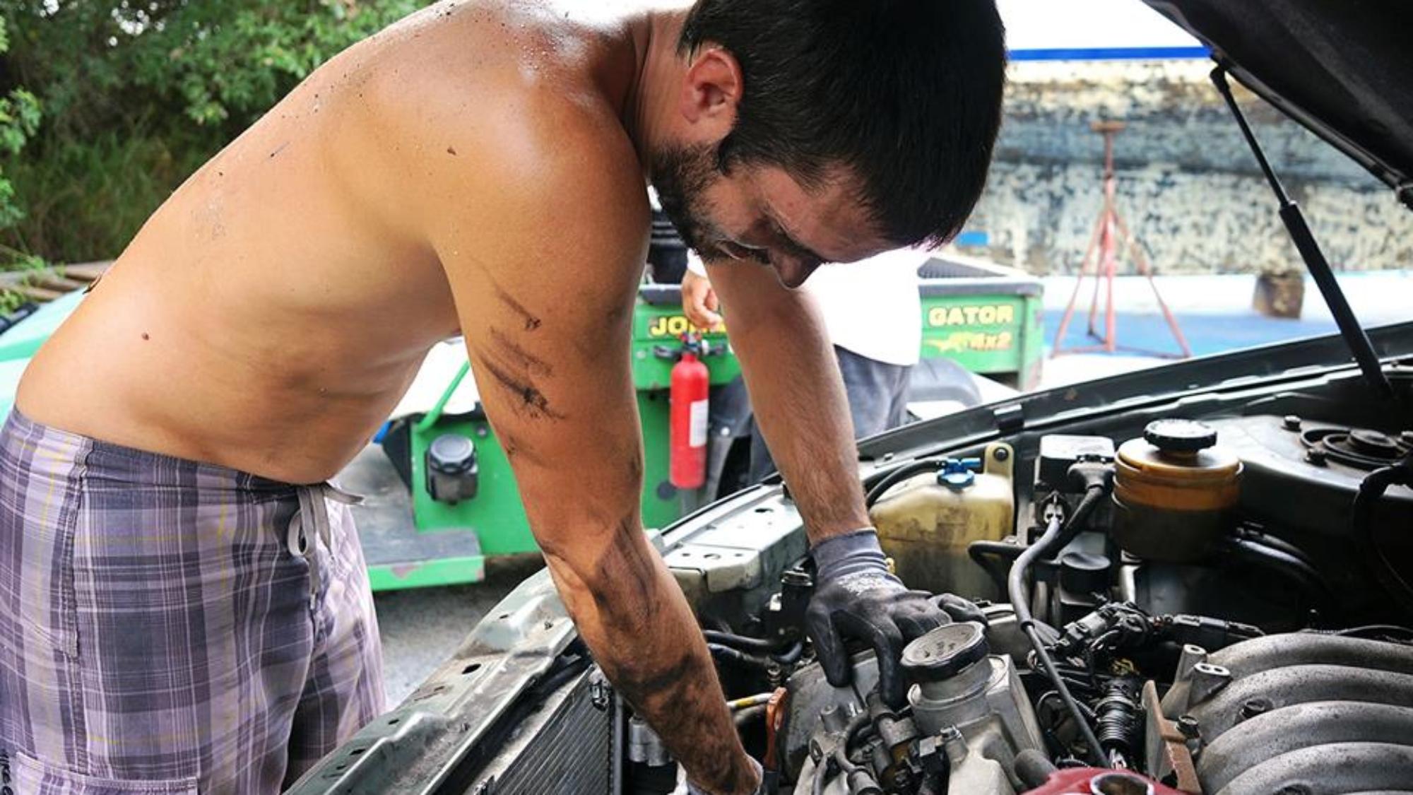 Matt replacing alternator