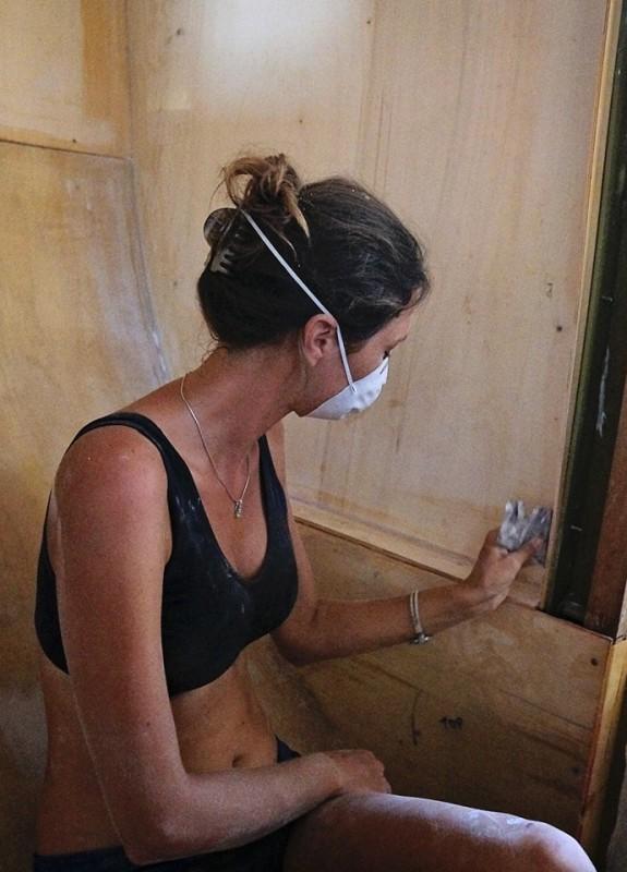Jessica sanding colloidal silica