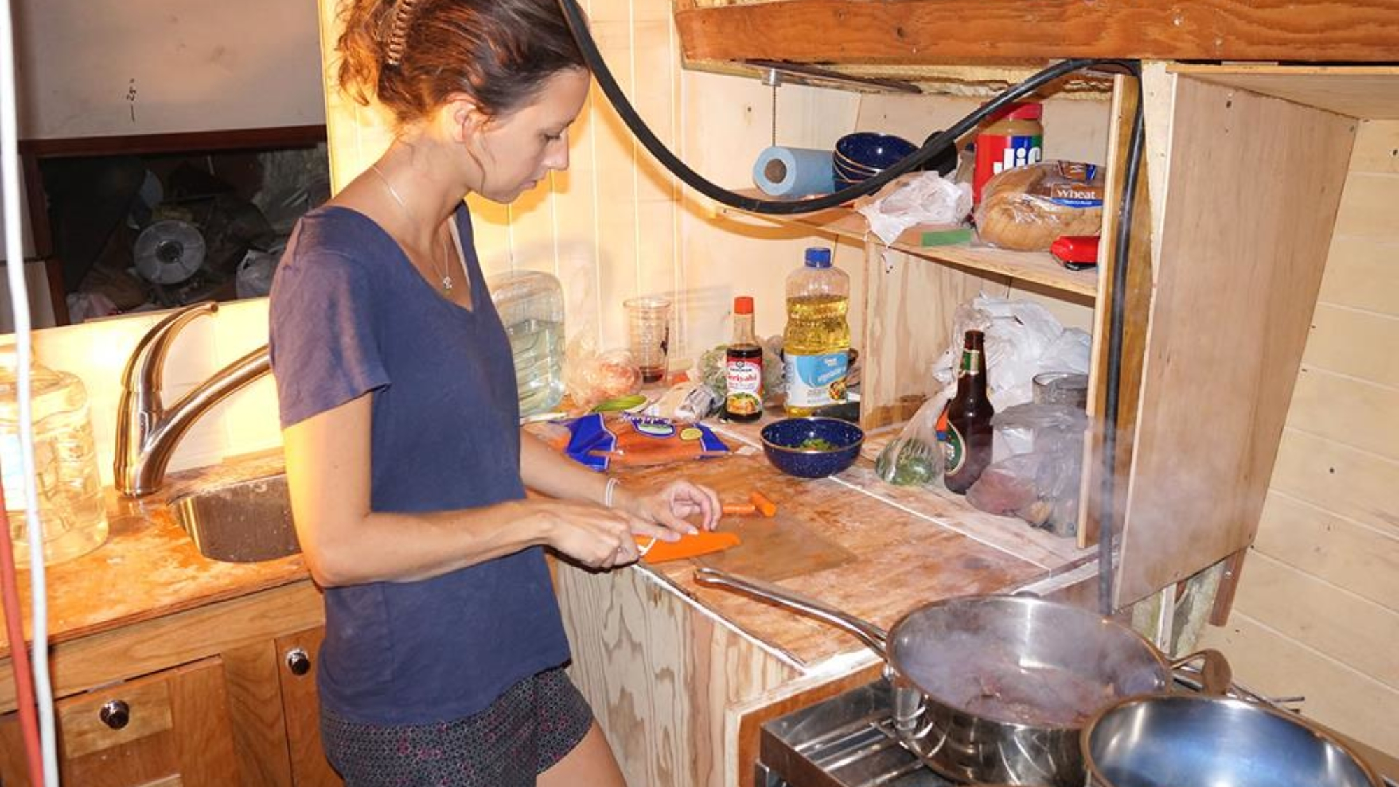 Jessica cooking first meal on Daze Off