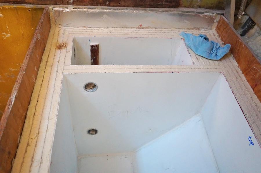 venting holes in fridge