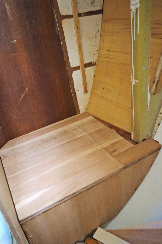 cherry lid to composting toilet
