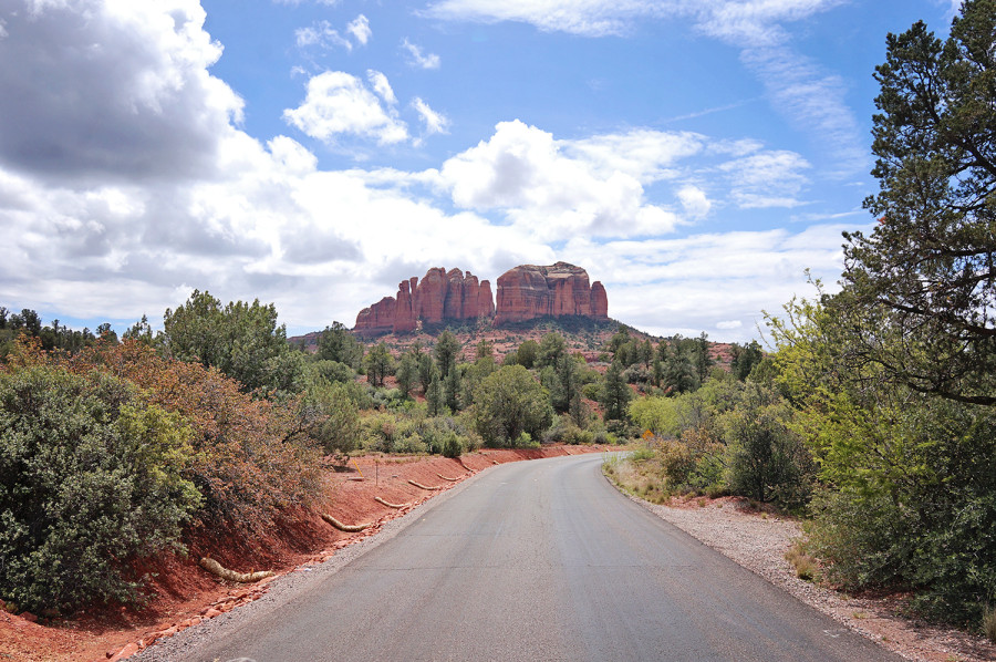 road to Cathedral Rock